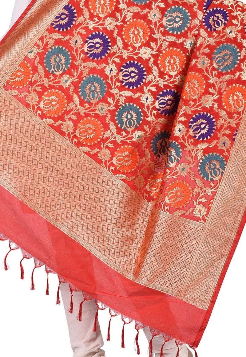 Woven Banarasi Art Silk Kimkhab Dupatta in Red 2
