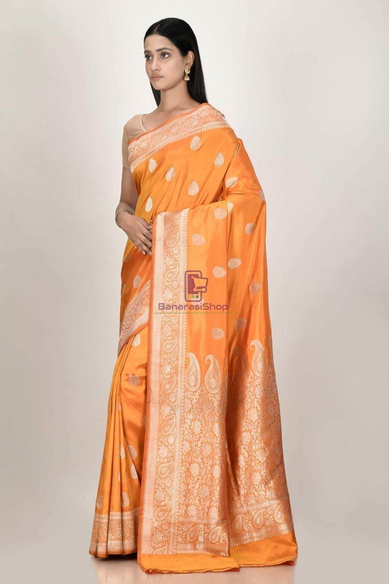 Handloom Banarasi Kadhuwa Katan Silk Saree with Running Blouse Fabric 2