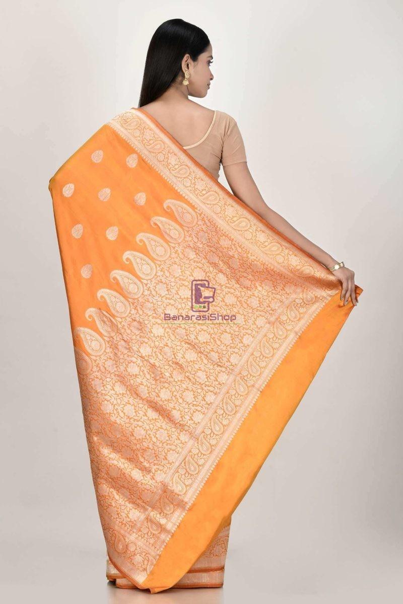Handloom Banarasi Kadhuwa Katan Silk Saree with Running Blouse Fabric 3